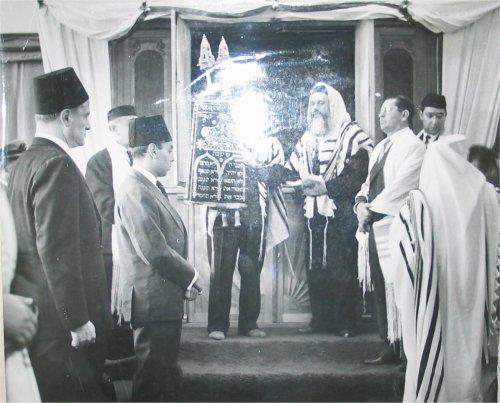 hassan-benit-par-rabins-juifs